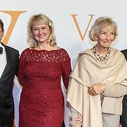 NLD/Katwijk/20151030 - 5 Jarig jubileumvoostelling musical Soldaat van Oranje, Fred Boot met Karin Hazelhoff Roelfzema<br /> en dochter Karna Hazelhoff-Castellon met haar echtgenoot