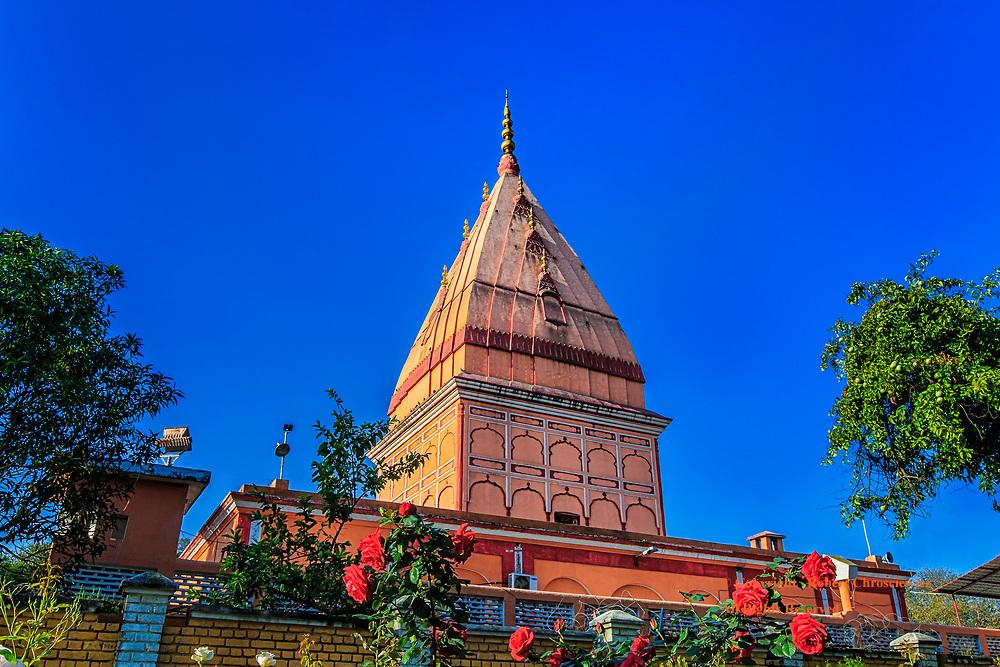Ranbireshwar Morning: The Hindu Temple Ranbireshwar radiates in the morning sun shine, Jumma India.