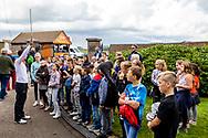 15-09-2017 - Foto van het KLM Open 2017 gespeeld op The Dutch in Spijk.. Kinderen bezoeken KLM Open