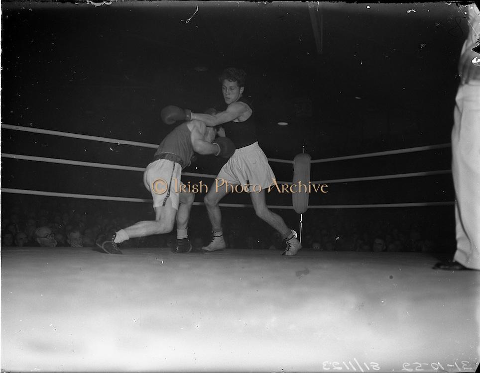 31/10/1952.10/31/1952.31 October 1952.Boxing Germany v Ireland at the National Stadium..M. McCullagh v R. Willie.