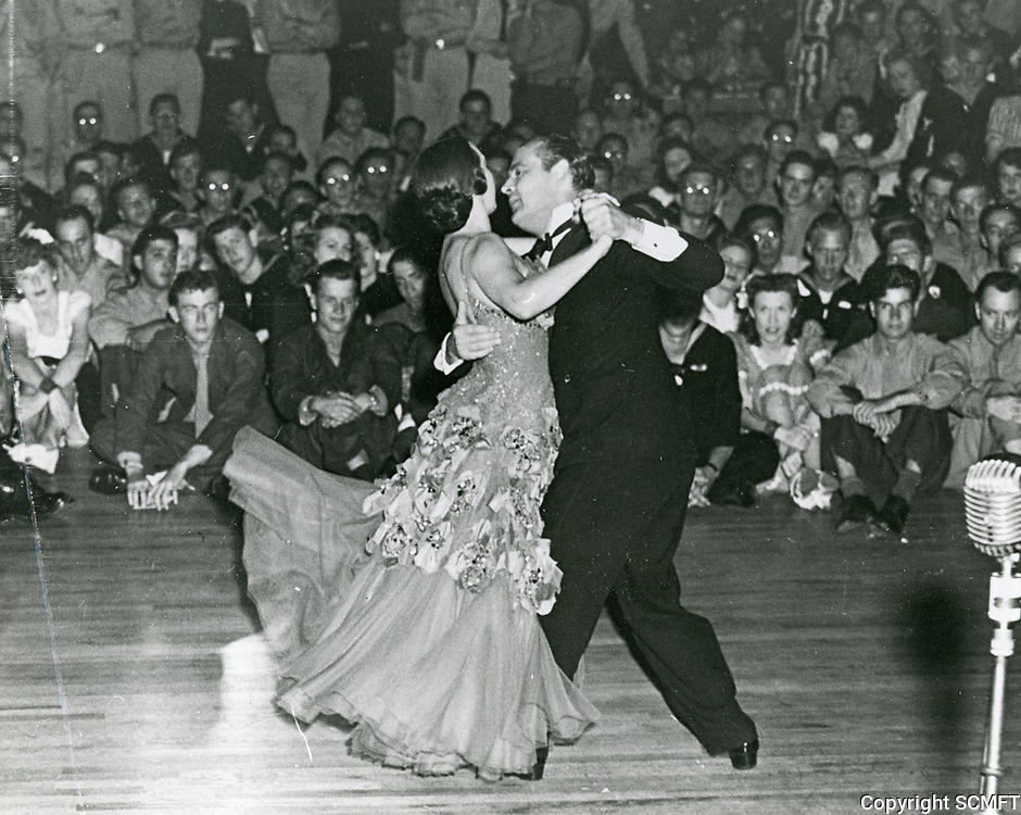 1944 Famous dancers, Veloz & Yolanda dance for the audience at the Hollywood Canteen
