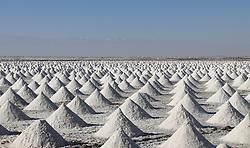 November 1, 2018 - Zhangye, China - Workers at the Gaotai Salt Lake in Zhangye, northwest China's Gansu Province. The Gaotai Salt Lake, located in Gaotai County, is the oldest salt lake in Gansu Province. (Credit Image: © SIPA Asia via ZUMA Wire)
