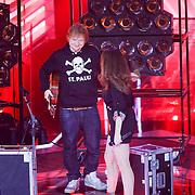 NLD/Amsterdam/20121130 - 4e liveshow The Voice of Holland 2012, Ed Sheeran en Eyelar Mirzazadeh