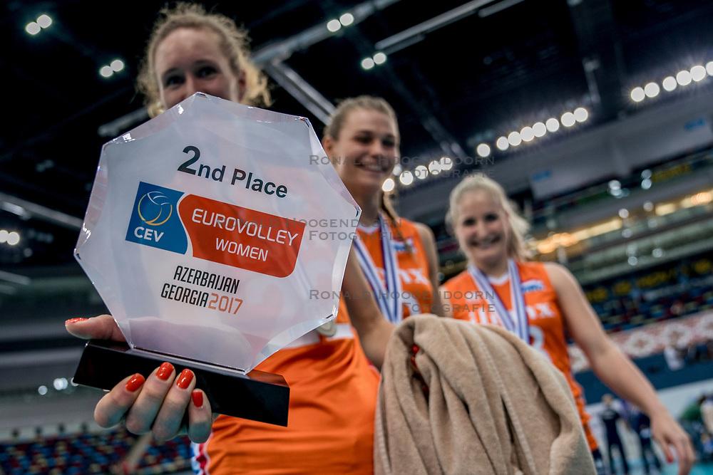 01-10-2017 AZE: Final CEV European Volleyball Nederland - Servie, Baku<br /> Nederland verliest opnieuw de finale op een EK. Servië was met 3-1 te sterk / Nicole Koolhaas #22 of Netherlands, Nika Daalderop #19 of Netherlands, Marrit Jasper #18 of Netherlands