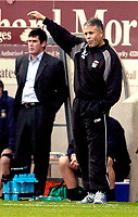 Photo: Leigh Quinnell.<br /> Coventry City v Luton Town. Coca Cola Championship.<br /> 29/10/2005. Coventry manager Micky Adams looks to pointing to Luton manager Mike Newell.