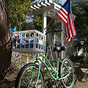 A bicycle sits outside a popular breakfast spot in Del Mar, CA.