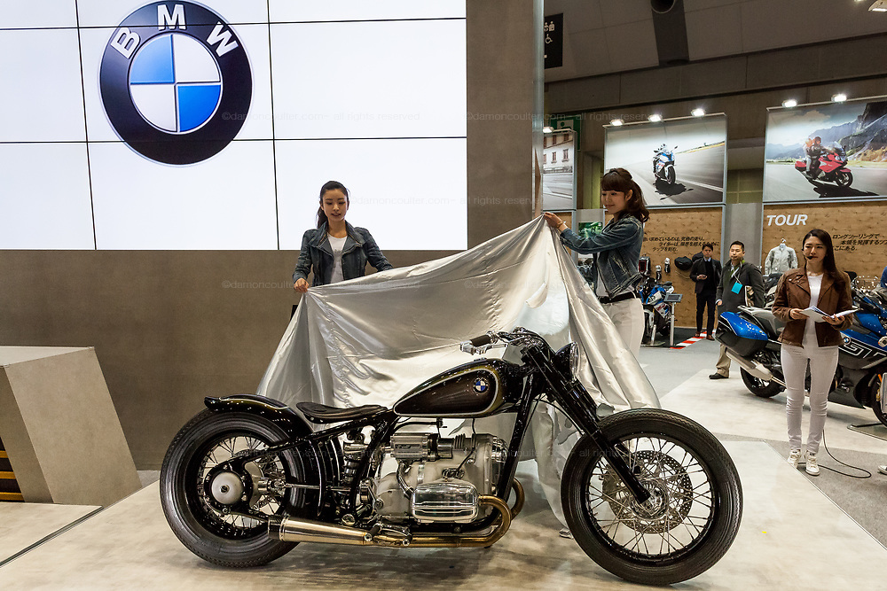 BMW Motorrad unveil the  R5 Hommage concept model motorcycle at the 44th annual Tokyo Motorcycle show. Tokyo Big Sight exhibition hall, Odaiba, Tokyo, Japan. Friday March 24th 2017. The show runs from Friday March 24th to Sunday March 26th and showcases technological innovations from all the main motorcycle manufacturers along with companies providing protective helmets pads and  clothing to decoration and even camping gear for bike-touring..