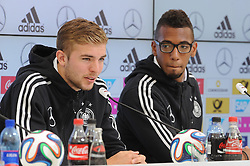 29.05.2014, Teamcamp, St. Martin Passeiertal, ITA, FIFA WM, Vorbereitung Deutschland, Presseconferenz, im Bild vl. Christoph Kramer (Borussia Moenchengladbach) und Jerome Boateng (FC Bayern Muenchen) // during a press conference the Trainingscamp of Team Germany for Preparation of the FIFA Worldcup Brasil 2014 at the Teamcamp in St. Martin Passeiertal, Italy on 2014/05/29. EXPA Pictures © 2014, PhotoCredit: EXPA/ Eibner-Pressefoto/ Stuetzle<br /> <br /> *****ATTENTION - OUT of GER*****
