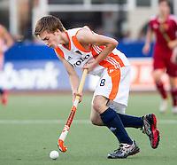 DEN BOSCH -   Thierry Brinkman tijdens de wedstrijd tussen de mannen van Jong Oranje  en Jong Engeland, tijdens het Europees Kampioenschap Hockey -21. ANP KOEN SUYK