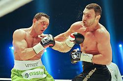 29-05-2010 BOKSEN: KLITSJKO - SOSNOWSKI: GELSENKIRCHEN<br /> Zwaargewicht Vitali Klitsjko heeft in Gelsenkirchen zijn wereldtitel (WBC) met succes verdedigd. Hij versloeg zijn Poolse tegenstander Albert Sosnowski door een knock-out in de tiende ronde<br /> ©2010- FRH-nph / Witke