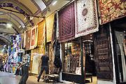 Turkije, Istanbul, 4-6-2015Straatbeeld. Overdekte markt, oude bazar, old bazaar,grand .Foto: Flip Franssen