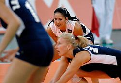 11-11-2007 VOLLEYBAL: PRE OKT: NEDERLAND - AZERBEIDZJAN: EINDHOVEN<br /> Nederland wint ook de de laatste wedstrijd. Azerbeidzjan verloor met 3-1 / Valeriya Kotorenko<br /> ©2007-WWW.FOTOHOOGENDOORN.NL