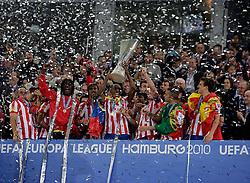 12.05.2010, Hamburg Arena, Hamburg, GER, UEFA Europa League Finale, Atletico Madrid vs Fulham FC, im Bild Atletic Madrid's  trophy presentation, EXPA Pictures © 2010, PhotoCredit: EXPA/ IPS/ Marcello Pozzetti / SPORTIDA PHOTO AGENCY
