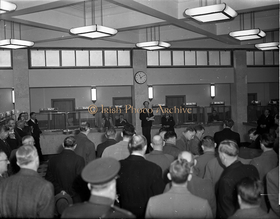 01/12/1952<br /> 12/01/1952<br /> 01 December 1952<br /> Opening of St. Andrew Street Post Office, Dublin. Picture shows Minister for Posts and Telegraphs Erskine Childers, who opened the new post office, speaking at the event.