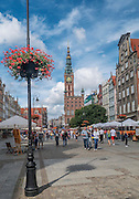 Gdańsk. Widok na Długi Targ i Ratusz Głównego Miasta