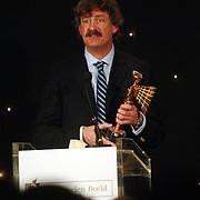 NLD/Bussum/20051212 - Uitreiking Gouden Beelden 2005, winnaar beeld Kunst - Cultuur voor Hollands Licht