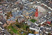 Nederland, Limburg, Maastricht, 2010-11-15; Vrijthof  met de St Servaasbasiliek. en de rode toren van de Sint Janskerk.  The Vrijthof, the Saint Servaas Basilica. and the red tower of St John's Church. Luchtfoto (toeslag), aerial photo (additional fee required).foto/photo Siebe Swart