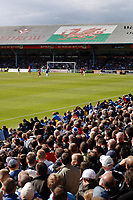 Cardiff fans watch the last league game before moving to their New ground. Cardiff City v Ipswich Town 25/4/2009 Ninian Park Credit : Colorsport / Andrew Cowie