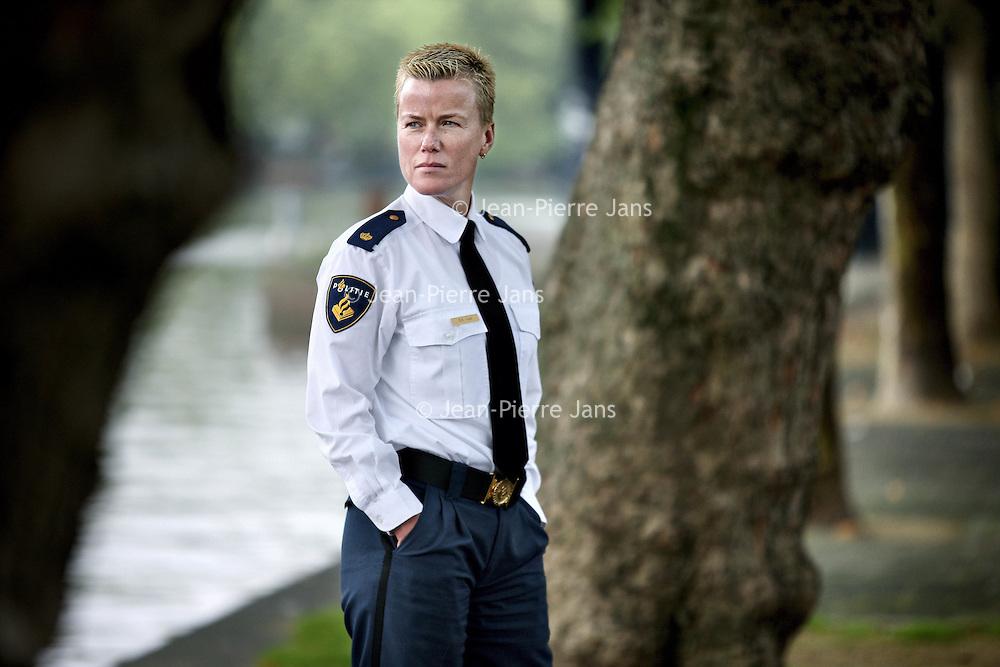 Nederland, Amsterdam , 30 september 2010.. Ellie Lust, de woordvoerster van het politiekorps Amsterdam-Amstelland..Foto:Jean-Pierre Jans