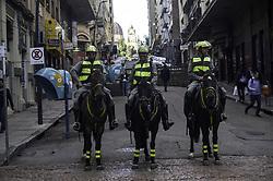 June 28, 2017 - Polícia Militar do Rio Grande do Sul voltou fazer patrulhamento extensivo no centro de Porto Alegre com regimento de cavalaria nesta quarta-feira  (Credit Image: © Omar De Oliveira/Fotoarena via ZUMA Press)