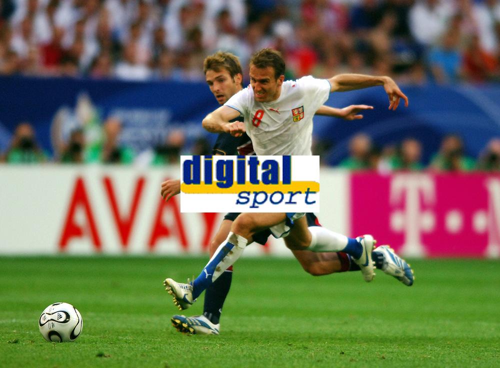 World Cup 2006 Germany Gelsenkirchen 12/06/2006<br />USA  v Czechoslovakia <br />Karel Poborsky (CZECH)<br />Bobby Convey  (USA)<br />Photo Roger Parker Fotosports International