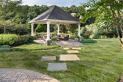 11608_Hunting_Crest House Exterior landscaping patio and pergola VA2-142-721