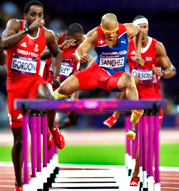 Engeland, Londen, 05-08-2012.<br /> Olympische Spelen.<br /> Atletiek, Mannen, 400 meter horden, Finale.<br /> Felix Sanchez wint goud.<br /> Foto : Klaas Jan van der Weij
