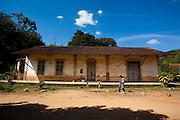 Ritapolis_MG, Brasil...Antiga estacao em Ritapolis, Minas Gerais...Ancient railroad depot in Ritapolis, Minas Gerais...Foto: LEO DRUMOND / NITRO