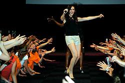 10-05-2008 VOLLEYBAL: DELA MEIDENDAG: APELDOORN<br /> Zo n 1500 meisjes woonden de teampresentatie van het Nederlands vrouwenvolleybalteam bij. De DELA meidendag werd weer een groot succes / Idols zangeres Charlene<br /> ©2008-WWW.FOTOHOOGENDOORN.NL