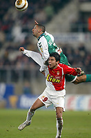 Fotball<br /> Frankrike 2004/05<br /> Ligacup<br /> Sedan v Monaco<br /> 9. november 2004<br /> Foto: Digitalsport<br /> NORWAY ONLY<br /> NADIR BELHADJ (SED) / JAVIER SAVIOLA (MON)