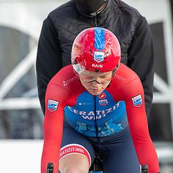 11-03-2021: Wielrennen: Healthy Ageing Tour: Lauwersoog. <br />Marta Lach