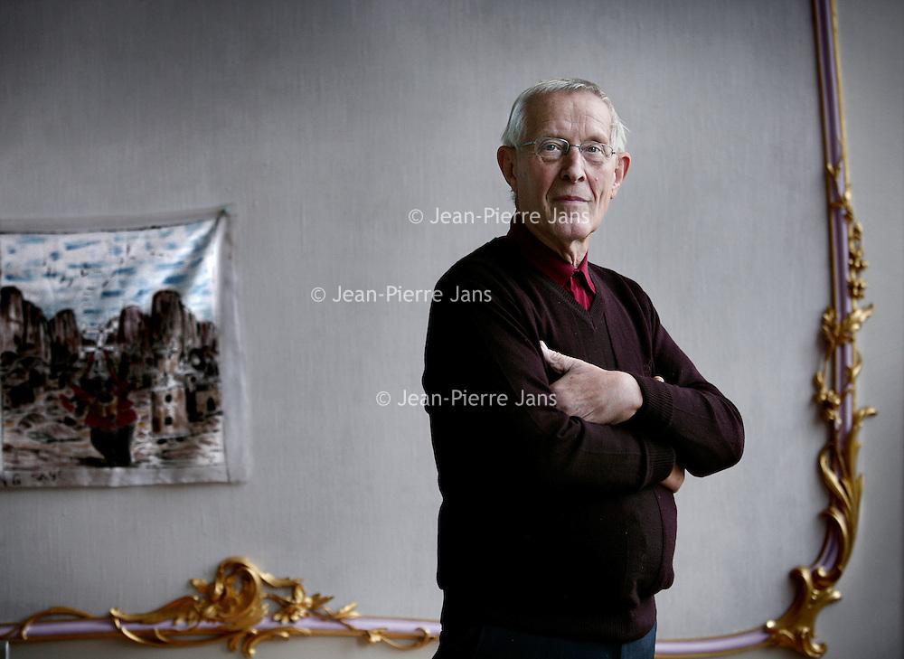 Nederland, Amsterdam , 7 december 2009..Joop van Stigt (Amsterdam, 6 januari 1934) is een Nederlandse architect te Amsterdam..Tot 1999 was hij hoogleraar Renovatie en Onderhoudstechnieken aan de faculteit Bouwkunde van de TU Delft. Samen met zijn zoon en partner-architect André van Stigt heeft hij een architectenbureau. Hij heeft zich veel bezig gehouden met renovatieprojecten..Sinds zijn pensionering houdt hij zich bezig met projecten in Afrika (Mali)..Foto:Jean-Pierre Jans