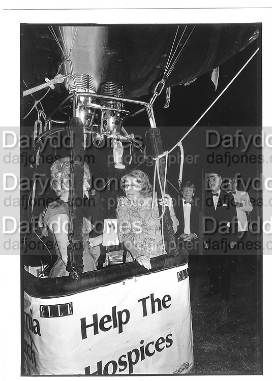 Duchess of Norfolk. Hot air balloon© Copyright Photograph by Dafydd Jones 66 Stockwell Park Rd. London SW9 0DA Tel 020 7733 0108 www.dafjones.com