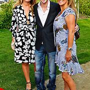 NLD/Aalsmeer/20100816 - Inloop Single & Fabulous Awards 2010, Ewout Genemans met styliste en vriendin