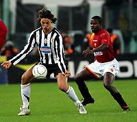 Fotball<br /> Serie A Italia<br /> Foto: Graffiti/Digitalsport<br /> NORWAY ONLY<br /> <br /> 19.11.2005<br /> Roma v Juventus 1-4<br />  <br /> Juventus Zlatan Ibrahimovic and Roma Samuel Kuffour