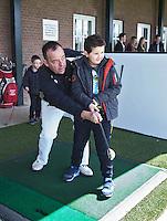 GOUDA - GOLFBAAN IJSSELWEIDE , kennismaken met golf tijdens Open Golfdag, met professional Toine van der Klei. COPYRIGHT KOEN SUYK