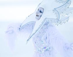 09-02-2011 SKIEN: FIS ALPINE WORLD CHAMPIONSSHIP: GARMISCH PARTENKIRCHEN<br /> Female person dressed as a snow fairy eintertain to the audience   <br /> **NETHERLANDS ONLY**<br /> ©2011-WWW.FOTOHOOGENDOORN.NL/NPH-J. Feichter