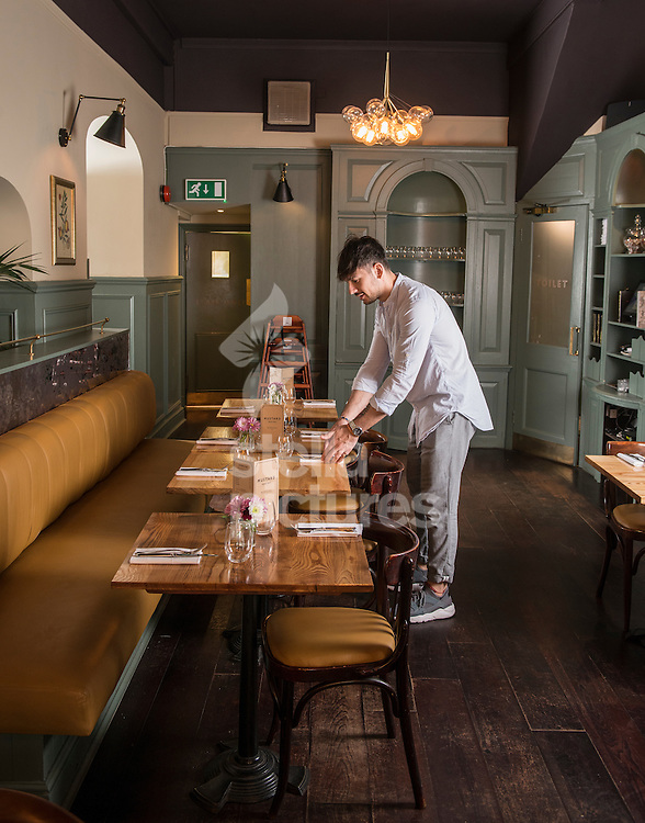 Mustard restaurant review. <br /> A general view.<br /> Picture by Daniel Hambury/Stella Pictures Ltd +44 7813 022858<br /> 01/08/2016