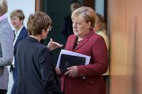 09 OCT 2019, BERLIN/GERMANY:<br /> Annegret Kramp-Karrenbauer (L), CDU, Bundesverteidigungsministerin, und Angela Merkel (R), CDU, Bundeskanzlerin, im Gespraech, vor Beginn der Kabinettsitzung, Bundeskanzöeramt<br /> IMAGE: 20191009-01-027<br /> KEYWORDS: Sitzung, Kabinett, Gespräch
