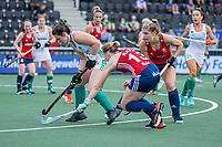 AMSTELVEEN - Sarah Evans (Eng) met Roisin Upton (Ier)   en Elena Rayer (Eng) tijdens de wedstrijd dames , Ierland-Engeland (1-5) bij het  EK hockey , Eurohockey 2021.COPYRIGHT KOEN SUYK