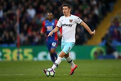 Aaron Cresswell of West Ham United - Mandatory by-line: Jason Brown/JMP - 15/10/2016 - FOOTBALL - Selhurst Park - London, England - Crystal Palace v West Ham United - Premier League