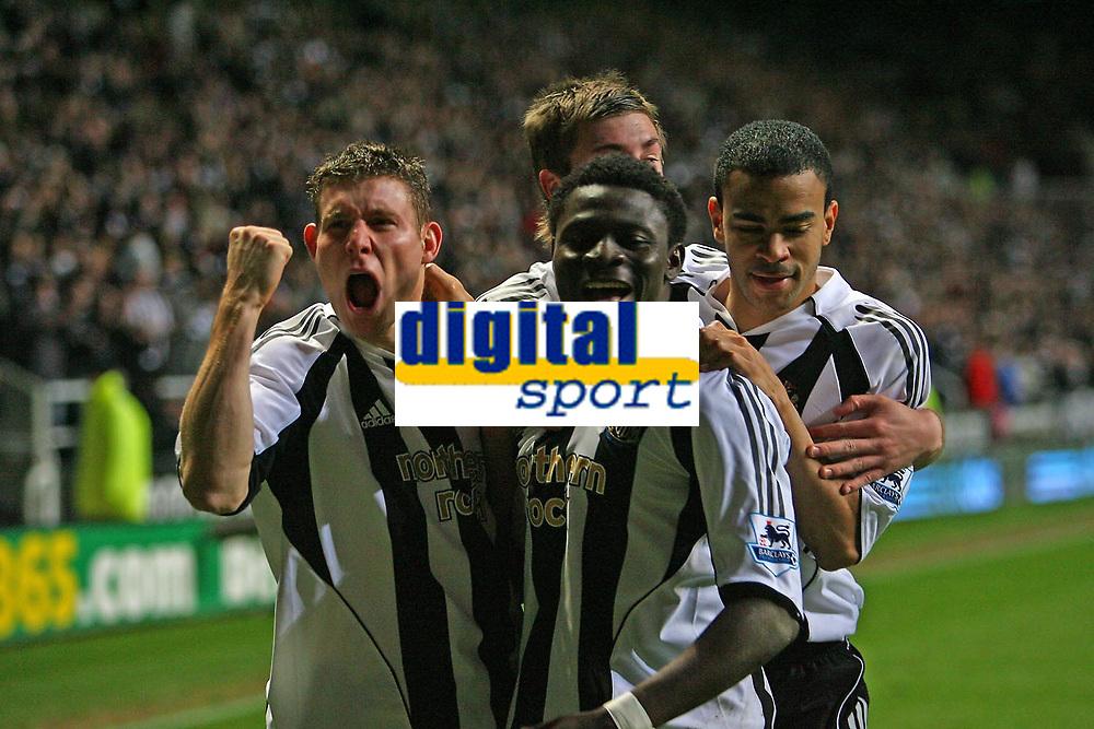 Photo: Andrew Unwin.<br />Newcastle United v Watford. The Barclays Premiership. 16/12/2006.<br />Newcastle celebrate Obafemi Martin's goal.