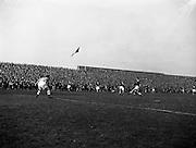 02/09/1959<br /> 09/02/1959<br /> 02 September 1959<br /> Soccer: League of Ireland v Scottish League at Dalymount Park, Dublin.
