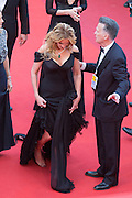 SHOE INCIDENT TO JULIA ROBERTS AT THE MARKET UP FILM ' MONSTER MONEY ' - 69TH CANNES FILM FESTIVAL<br /> ©Exclusivepix Media