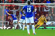 Leighton Baines of Everton scores from the penalty spot - Sunderland vs. Everton - Barclay's Premier League - Stadium of Light - Sunderland - 09/11/2014 Pic Philip Oldham/Sportimage