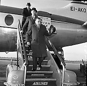 Seán Lemass returns from E.E.C. Talks.19.01.1962