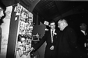 05/01/1965.01/05/1965.5th January 1965.The Aer Lingus Young Scientist Exhibition.Manson House..James Dillon T.D.Prize winning project by Jonh J. Monahan from Newbridge College