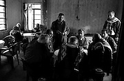 al kosh, northern iraq, janaury 2005: an afternoon of cards with friends<br />