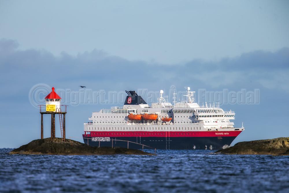 MS Richard With sailing into Herøyfjord, Norway   Hurtigruteskipet MS Richard With seiler inn i Herøyfjord, Norge.