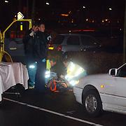 Ongeval Bovenmaatweg Huizen, auto schept voetganger, ambulance, politie, brancard
